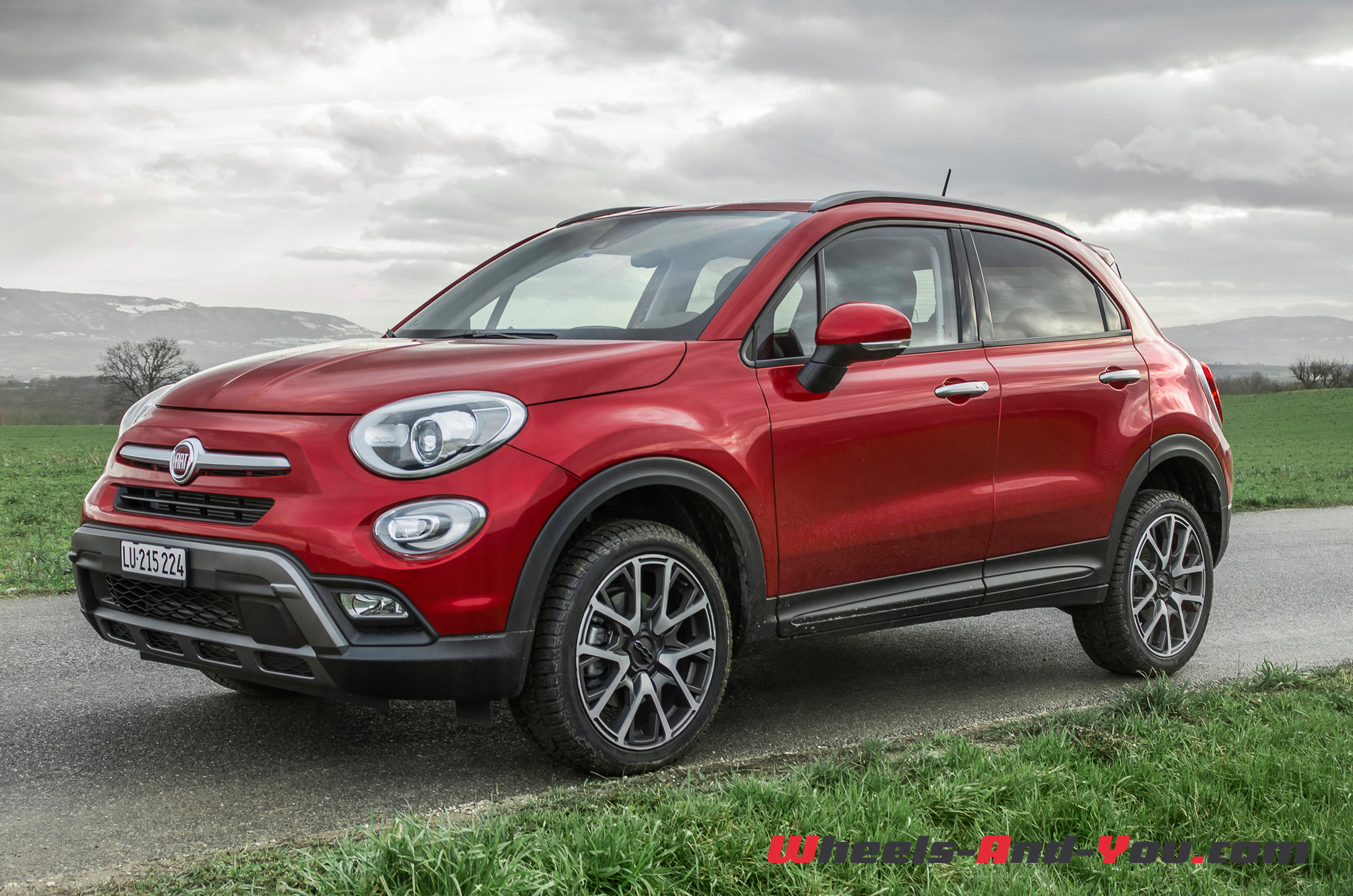 essai fiat 500x cross plus une baroudeuse en tenue de ville wheels and. Black Bedroom Furniture Sets. Home Design Ideas