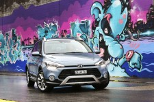 Hyundai_i20Active_01