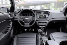 Hyundai_i20Active_06