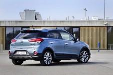 Hyundai_i20Active_10