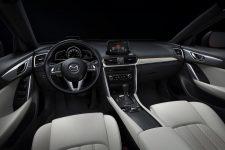 MazdaCX4_05