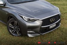essai infiniti q30 sport a nous les petites allemandes wheels and. Black Bedroom Furniture Sets. Home Design Ideas