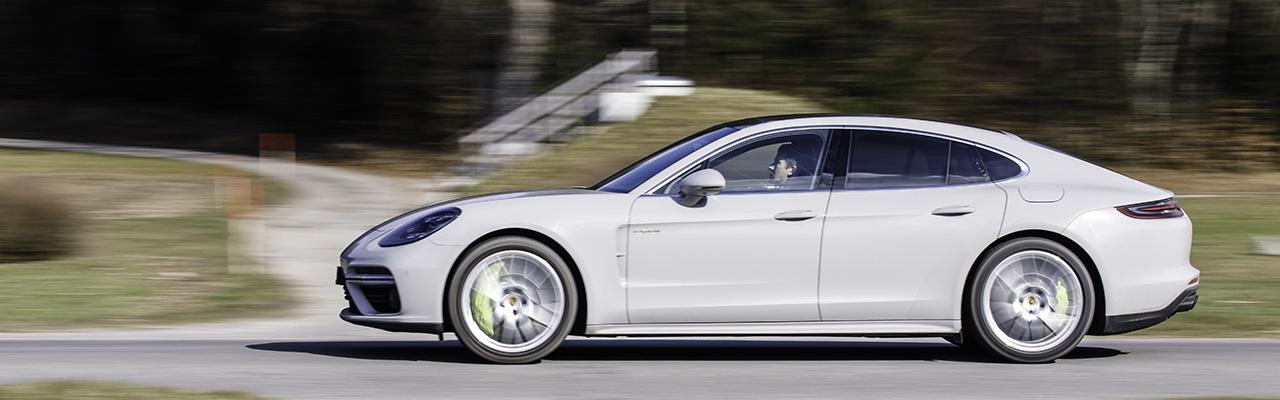 Essai – Porsche Panamera Turbo S E-Hybrid : Une limousine de chasse électrifiée