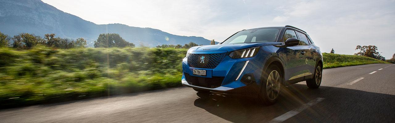 Essai – Peugeot e-2008 : Les antonymes du SUV compact électrique