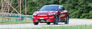 Essai – Ford Mustang Mach-E AWD : Un cheval sauvage qui va en électriser plus d'un